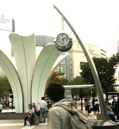 630-2 名駅南口の時計.JPG
