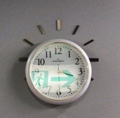 648-3-1 時計 交換と映込み.JPG