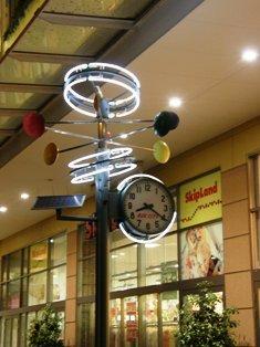 よるのLCの時計.JPG